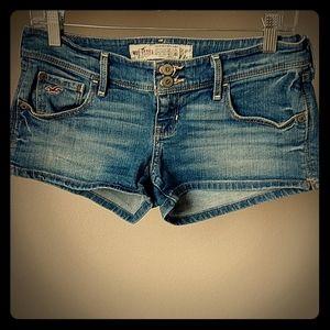 "Hollister Jean Shorts 2"" - Size 5"